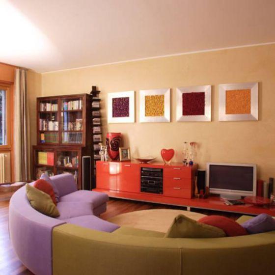 Idee Tende Soggiorno Moderno : Soggiorno moderno con divano e tavolo ...