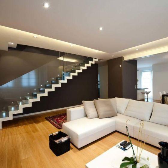 Piccole idee e consigli per arredare un soggiorno moderno for Idee per arredare il soggiorno foto
