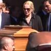La disperazione di Virna Lisi al funerale del marito Franco Pesci