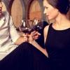 Le Coppie che Bevono (Responsabilmente) Insieme Sono Più Felici