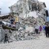 Terremoto, sale la conta dei morti, recuperato oggi 295 esimo corpo