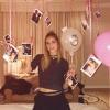Per la blogger camera piena di palloncini rosa a Parigi