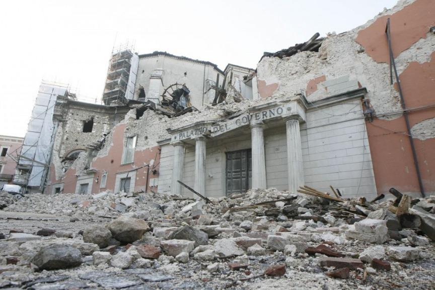 Terremoto L'Aquila: 10 arresti per mazzette negli appalti di ricostruzione