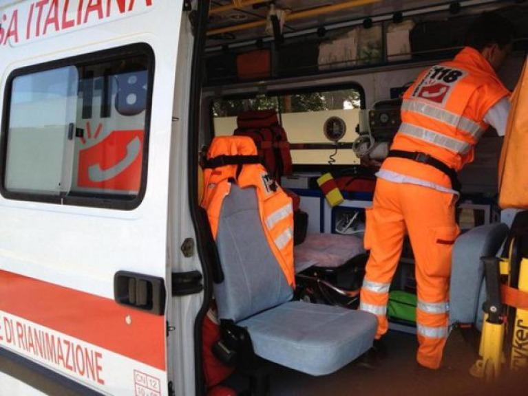 Lecce, bambina di 10 anni muore soffocata davanti ai genitori