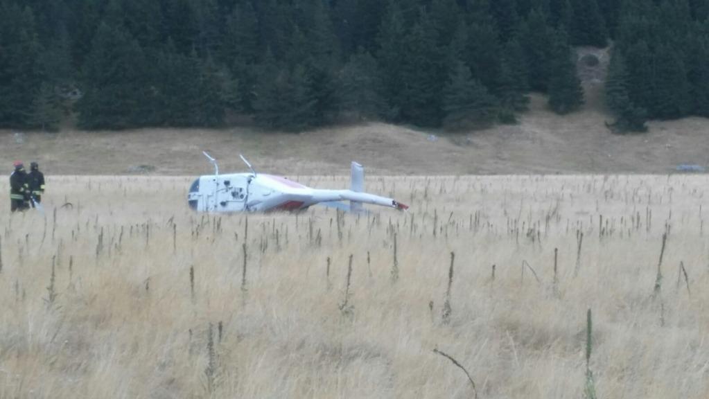L'Aquila, si ribalta elicottero dei vigili del fuoco: due feriti
