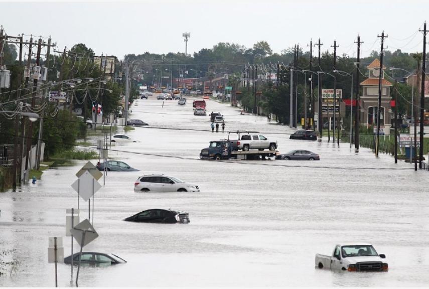 Houston, uragano Harvey: 35 vittime e impianto chimico a rischio esplosione