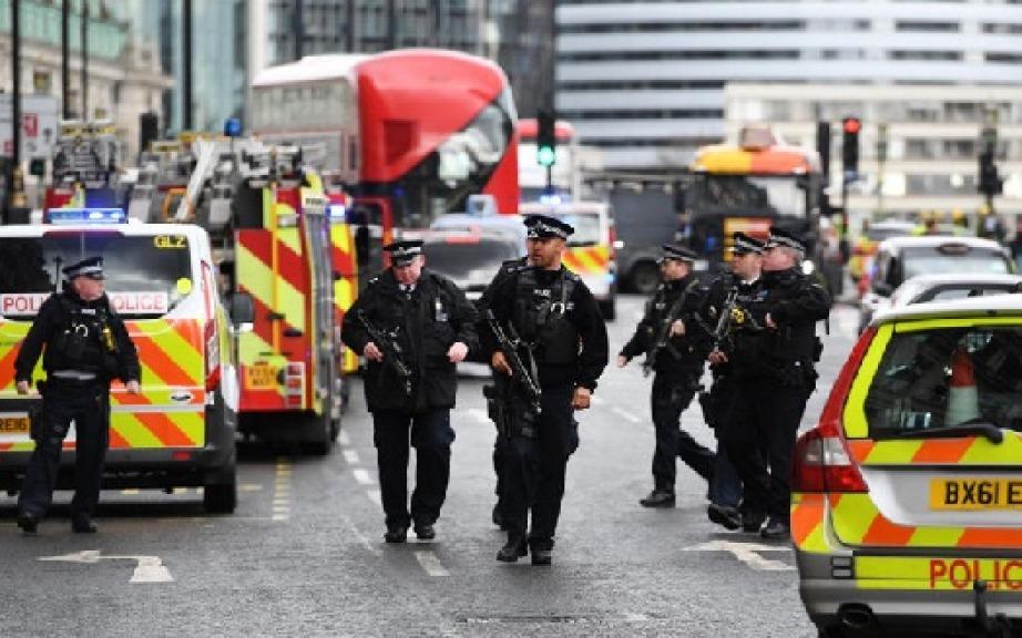 Esplosione nella metro a Londra, arrestato 18enne a Dover