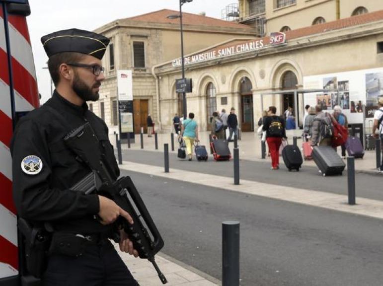 Attentato Marsiglia, il killer viveva ad Aprilia ed era sposato con un'italiana