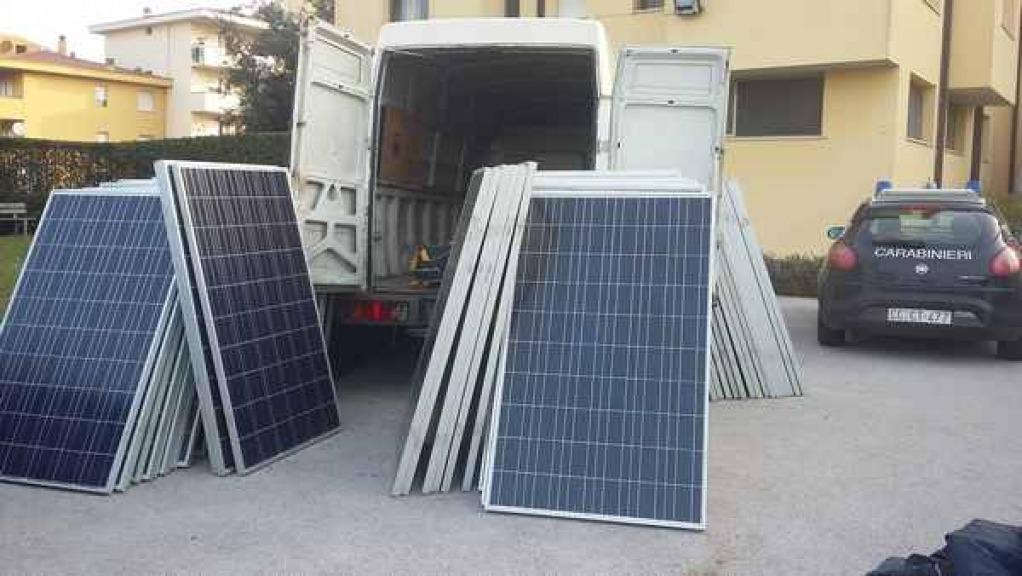 Sgominata la banda dei pannelli solari
