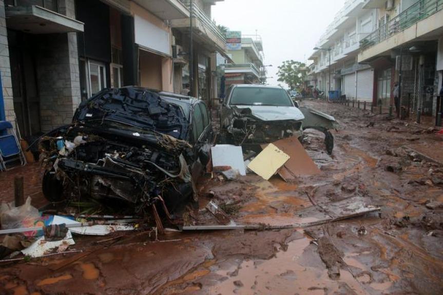 Violente inondazioni vicino ad Atene, almeno 13 morti e dispersi