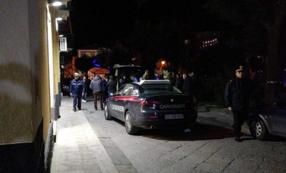 Donna uccisa a coltellate a Parabiago, convivente si costituisce