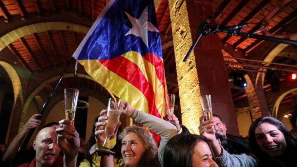 Catalogna spaccata, ma gli indipendentisti hanno la maggioranza