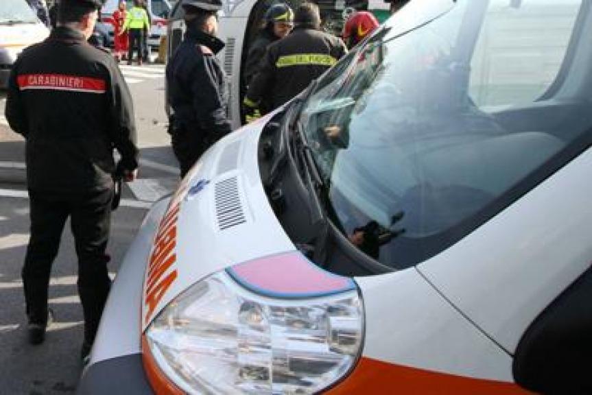 Furgone travolge anziani, due morti e due feriti. Arrestato l'autista