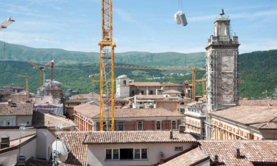 'No al terremoto fiscale'. In migliaia al corteo a L'Aquila