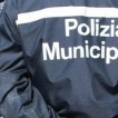 Ambulante colpisce comandante dei vigili, arrestato