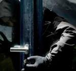 Rapinati nella notte due settantenni, ladri penetrano in casa e portano via bottino di oltre 15mila