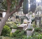 Tenta di rubare altare in cimitero Sorpreso dai Cc a Montenero Val Cocchiara e inseguito fra loculi