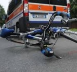 Ciclista cade dalla bici sulle strade del teramano, ferito gravemente