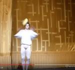 Spavento per Roberto Bolle, il Ballerino Colpito sul Palco - VIDEO