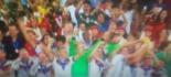 I calciatori tedeschi festeggiano con la Coppa