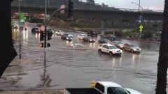 La Lamborghini sfida l'alluvione
