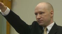 Breivik, il saluto nazista in aula