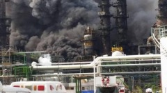Esplosione all'impianto petrolchimico della Pemex in Messico