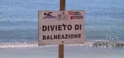 Sversamento di liquami in mare, divieto di balneazione a Roseto