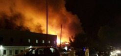Incendio distrugge stabilimento Richetti, in salvo operai