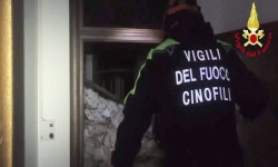 Vigili del fuoco aquilani protestano a Montecitorio: Mai più trattati come un corpo di serie B!