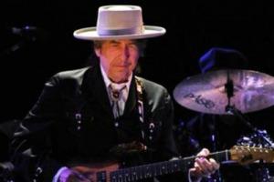 Bob Dylan si Vergogna del Nobel e lo Cancella. Divo o Anti-Divo?