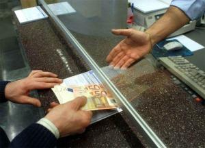 Prelievo dal proprio conto corrente  oltre i 1000 euro, da oggi scatta controllo fiscale