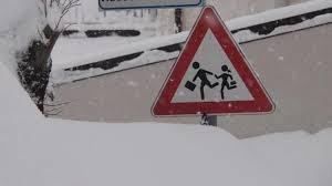 Maltempo in Abruzzo, scuole chiuse lunedì in molti paesi