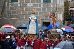 """A Introdacqua grande emozione, forte commozione e tutto il paese radunato per """"La Madonna che Véle"""""""