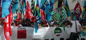 Tagli a fondi per il Sociali,  Cgil,Cisl e Uil scenderanno in piazza il 29 aprile