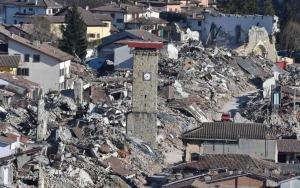 Delegazione Ue nelle zone colpite dal sisma Con presidente CdR Markkula 24-26