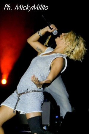 Emma Marrone, la bomba sexy del rock italiano