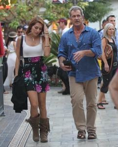 Mel Gibson flirta con italiana Nadia Lanfranconi 