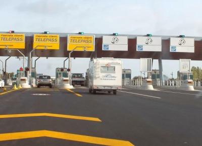 Raffica di aumenti dei pedaggi autostradali da Gennaio +1,62% nella Strada Parchi,