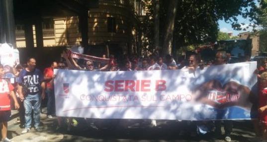 """Protesta dei Tifosi Teramani a Roma: """"B Guadagnata sul Campo"""" ma il Tifo si Spacca"""