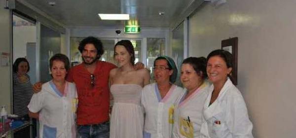 Laura Chiatti incinta in clinica
