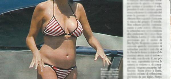 Ilaria D'Amico incinta a Porto Ercole (Chi)