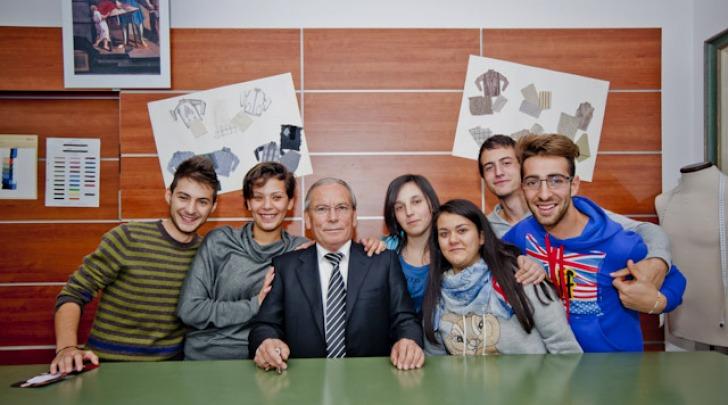 Il Maestro Di Tillio con alcuni studenti del Corso