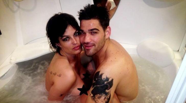 Sara Tommasi nuda con Nando Colelli