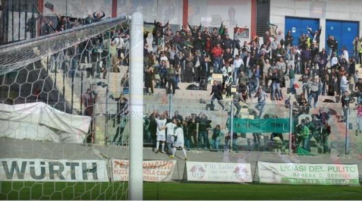 De Sousa festeggia il 2-1 nell'ultimo derby