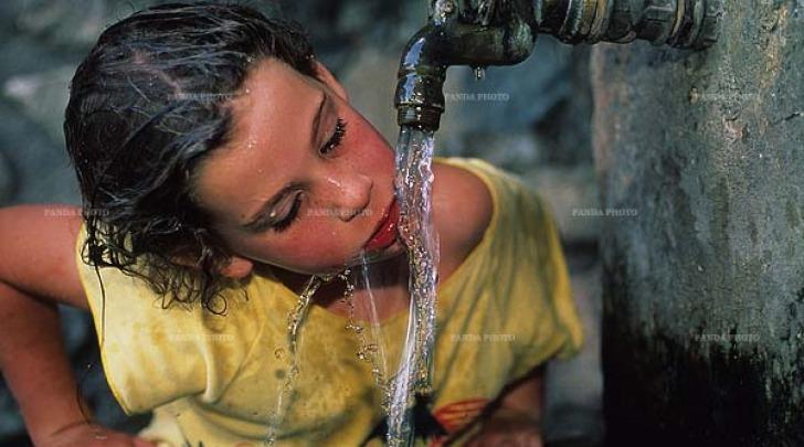 Acqua naturale - foto di repertorio