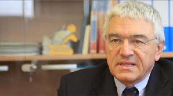 Il direttore Giustino Varrassi