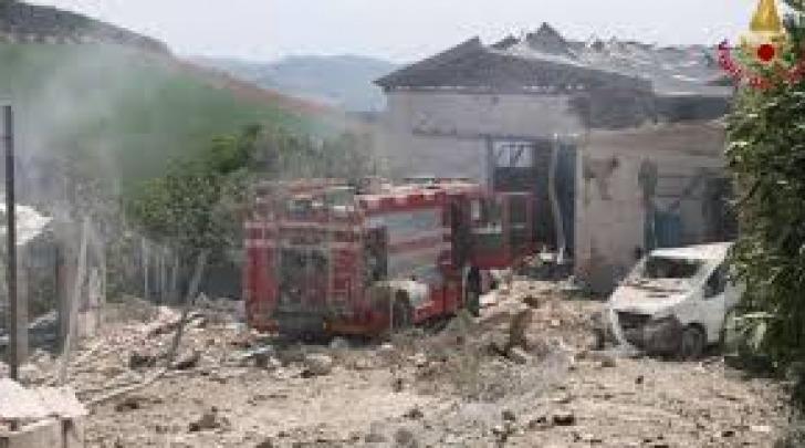L'area dopo l'esplosione (foto Agi)