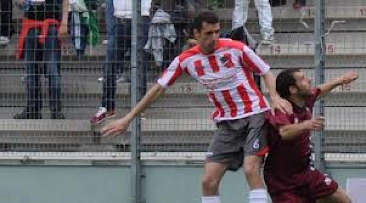Ivan Speranza in azione con la maglia del Teramo qualche stagione fa