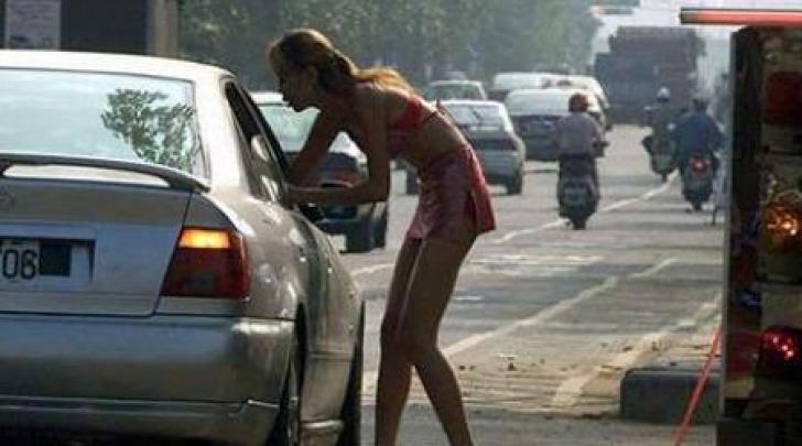 Prostitute in strada anche durante il giorno